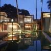 光影流转,蜿蜒隐匿于自然丛林的度假别墅/Abraham John建筑师事务所
