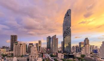 """曼谷地标、泰国第一高楼,怎么会是这样一栋""""烂尾楼""""?"""