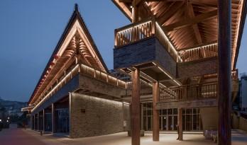解构的屋顶 | 云阳四方井服务建筑 / 深圳汤桦建筑设计