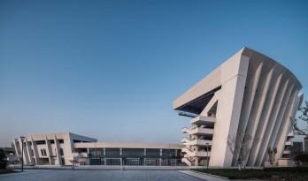 青岛平度奥体中心 / 上海交通大学规划建筑设计