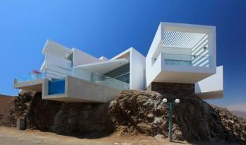交错纵横,自由伸展恣意生长的秘鲁海滩住宅