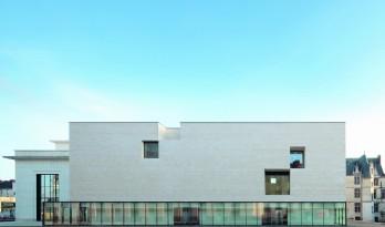 抽象 • 记忆——法国OlivierDebré当代艺术中心 / Aires Mateus