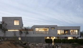 三院宅 / D•LIM architects