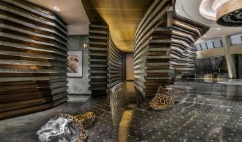 上海佘山世茂深坑洲际酒店室内设计 / CCD香港郑中设计事务所