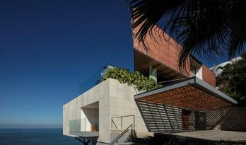 以海为邻,明媚四季的巴西半岛之家