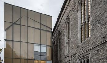 在纯白中融合,古典与现代的碰撞与统一:加拿大韦斯利神庙扩建工程