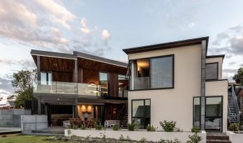湾区视野,重重迭起的新西兰私家住宅 / Max Capocaccia建筑师事务所