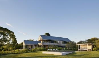东湖之家,定格湖景的纯白之家 / Robert Young Architects