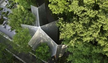 风拂叶飘,复归宁静:狭山森林教堂 / Hiroshi Nakamura & NAP