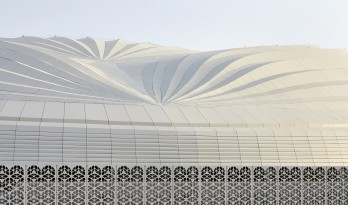 仿佛海上扬起的船帆:2022年世界杯主赛场 / 扎哈·哈迪德建筑事务所