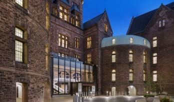 致敬经典——岁月风化的历史痕迹:亨利酒店 / Deborah Berke Partners