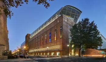 融入经典元素的华盛顿圣经博物馆 / SmithGroup