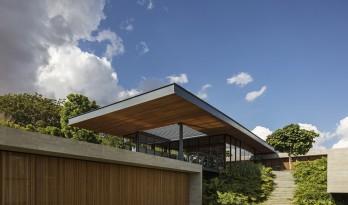 郁郁葱葱,融于自然的巴西现代小清新住宅