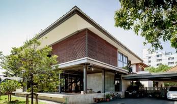 泰国住宅 713:一半居住,一半观景 / Junsekino Architect and Design