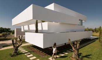 五个平台和一个花园 / corpo atelier