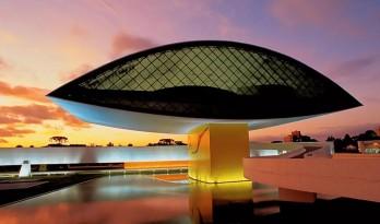 建筑大师奥斯卡·尼迈耶:曲线才是宇宙的真谛