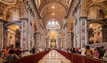 走进世界第一大教堂