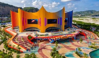 珠海长隆剧院,呼应被台风摧毁的马戏团建筑 / Stufish Entertainment Architects
