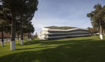 光影咖啡工厂,格鲁吉亚 /Khmaladze Architects