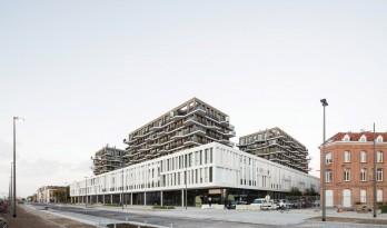 站在历史街区的卡迪斯公寓 / META architectuurbureau + POLO