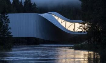 """由BIG打造的""""扭体博物馆""""在挪威 kistefos 雕塑公园落成"""