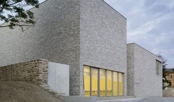 新旧之间,一场朴素而温暖的对话:Luthers Sterbehaus 博物馆 / VON M