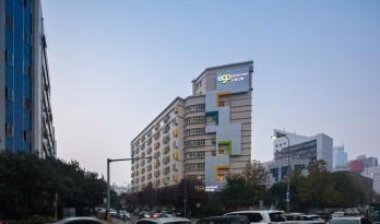西安高新创业社区E客公寓改造 / 土木石建筑设计