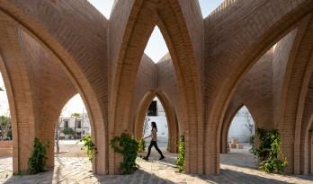 从古老的传统里,寻求新生力量:Jojutla中央花园 / MMX