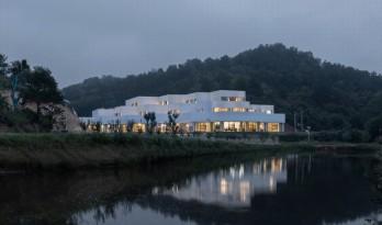 折叠的水平线——神山岭综合服务中心 / 三文建筑 / 何崴工作室