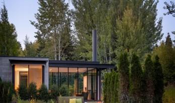 将艺术与自然山川融为一体的林间现代小屋 / Olson Kundig