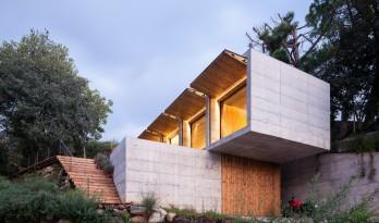 在四季轮回里,慢慢老化:西班牙 Retina 住宅 / Arnau estudi d'arquitectura