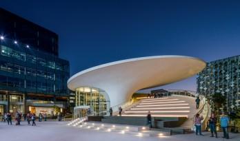 体育竞技的狂欢:勇士队大通中心球馆 / Gensler