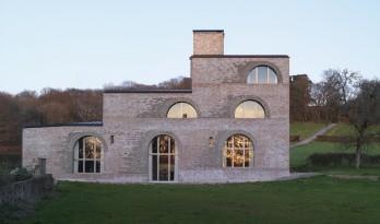 浓厚的文艺复兴建筑艺术气息——Nithurst 农庄 / Adam Richards Architects