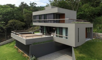 伊塔科鲁比之家 / Mari Girardi Arquitetos Associados