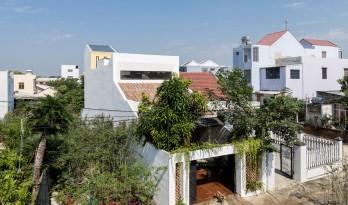 斑驳光影与怀旧记忆的交叠互动:越南KHE住宅 / K.A.N Studio