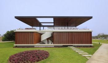 正交与曲线系统的诗意对应:秘鲁 ASIA 别墅 / Jorge Marsino Prado