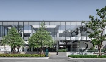 美联社普莱诺法霍尔兰西特俱乐部大楼 / ForX Design Studio