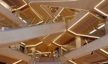 独特的构造之美:SR银行新总部