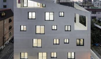 虚与实的统一:韩国混凝土架空公寓 / Atelier Jun