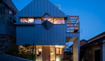 """神户""""帽盒""""之家,旋转45度的平面"""