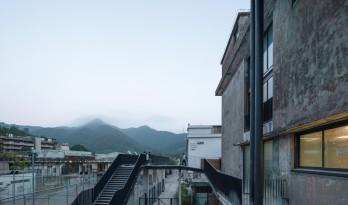 漫步空间的营造——深圳明德学院 / 源计划建筑师事务所