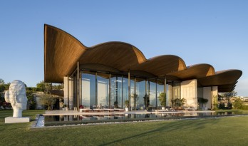 爱琴海岸安静流淌的暖浪:Dolunay庄园 / Foster + Partners