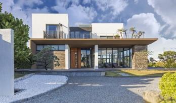 南湾沙滩的宝石:艾拉.法萝民宿Villa Islafaros / 黄巢设计团队