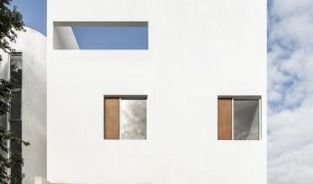内向外表下营造巧妙诗意:Nizuc 01住宅 / WEWI Studio