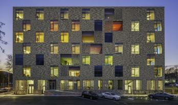 """以色彩区分楼层的""""多宝阁""""——华盛顿AYA公寓"""