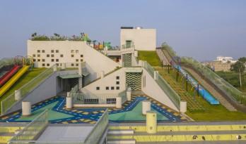 """小山坡上的游乐场——印度层叠小学""""Sangam"""""""