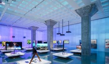 """""""本质""""——海信未来展厅的空间营造 / 裸筑更新"""