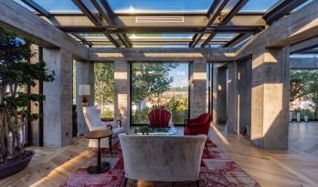与混凝土立柱对话——BM卡瓦纳住宅