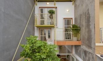 夹缝中生存——越南双层屋盖住宅
