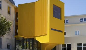 单调色中的一道亮丽风景:ARTAVE/CCM 音乐学院加建